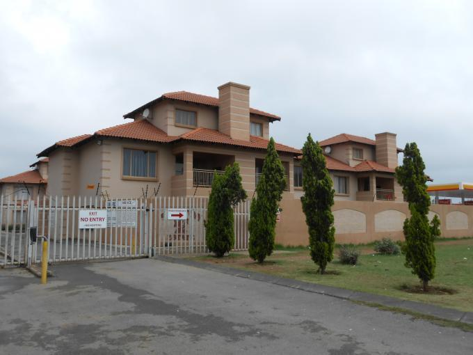 3 Bedroom Duplex For Sale in Benoni - Private Sale - MR120301