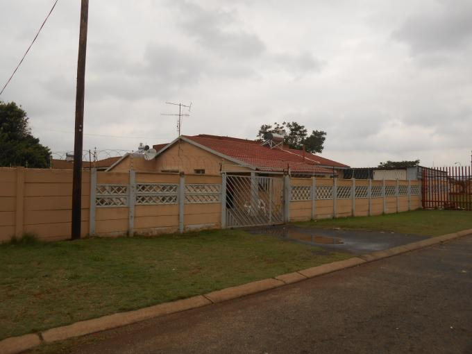 3 Bedroom House for Sale For Sale in Lenasia - Private Sale - MR120361