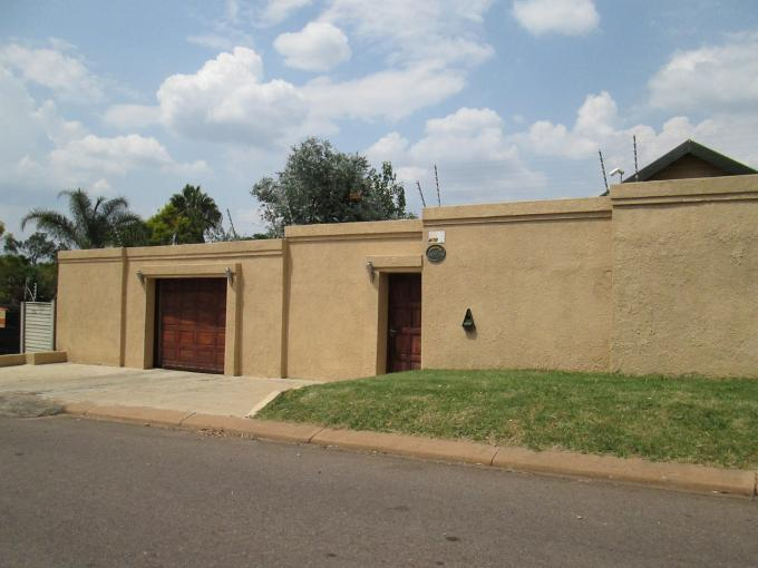 4 Bedroom House for Sale For Sale in Bloubosrand - Home Sell - MR120368