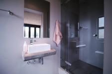 Bathroom 3+ - 6 square meters of property in The Meadows Estate