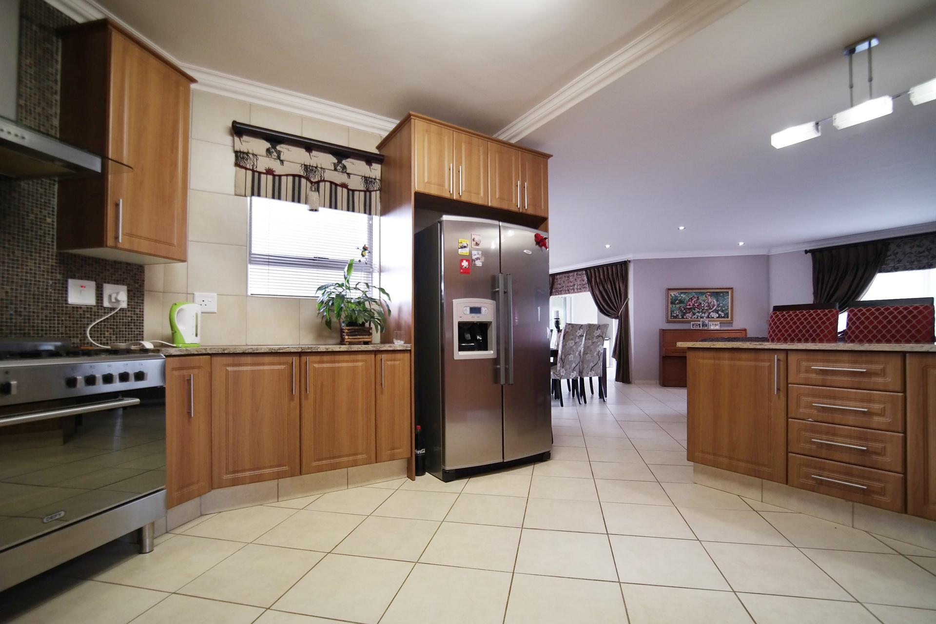 Kitchen - 13 square meters of property in The Wilds Estate