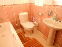 Main Bathroom - 6 square meters of property in Naturena