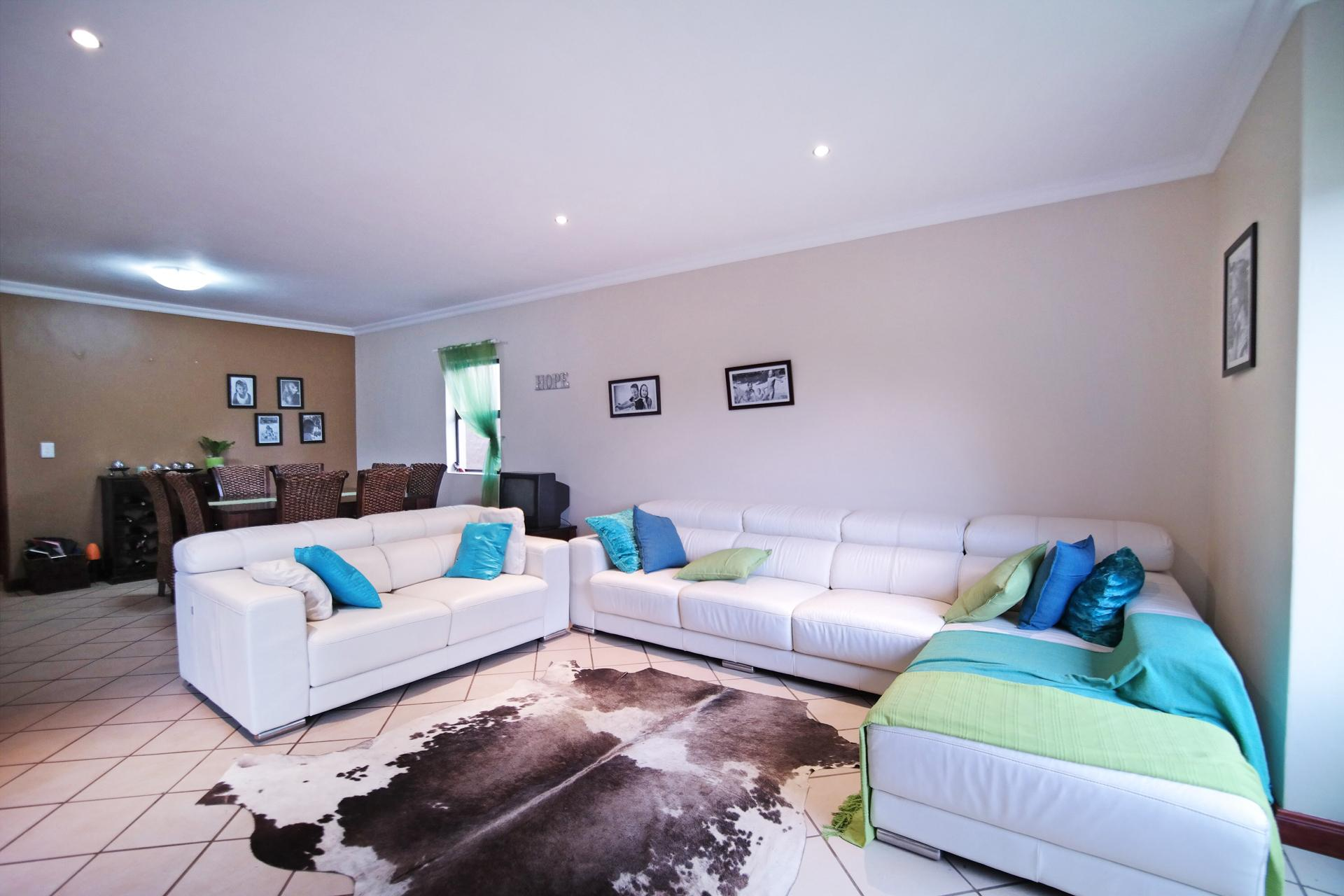 TV Room - 16 square meters of property in Silverwoods Country Estate