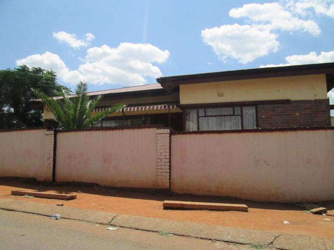 Standard Bank EasySell 2 Bedroom House for Sale For Sale in Mofolo North - MR120508