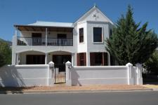 6 Bedroom 4 Bathroom in Franschhoek