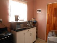 Kitchen - 6 square meters of property in Fleurhof