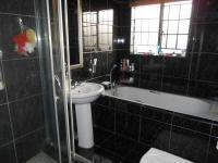 Main Bathroom - 5 square meters of property in Boksburg