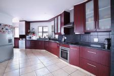 Kitchen - 43 square meters of property in Willow Acres Estate