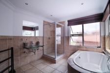 Bathroom 1 - 13 square meters of property in Willow Acres Estate