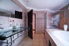 Main Bathroom - 12 square meters of property in Willow Acres Estate