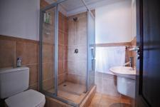Bathroom 2 - 3 square meters of property in Willow Acres Estate