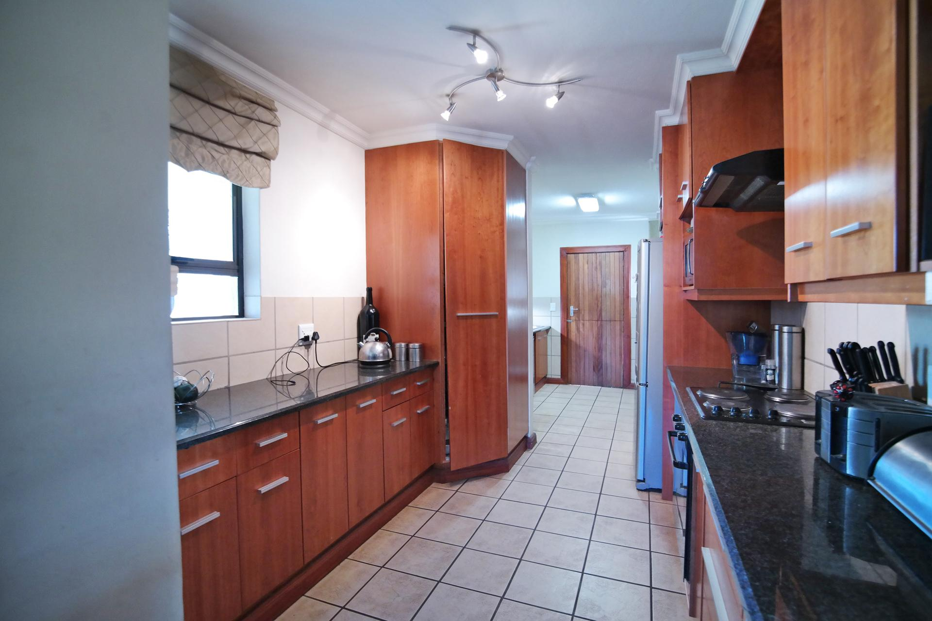 Kitchen - 17 square meters of property in Silverwoods Country Estate