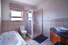 Bathroom 1 - 10 square meters of property in Silverwoods Country Estate