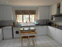 Kitchen - 23 square meters of property in Vorna Valley
