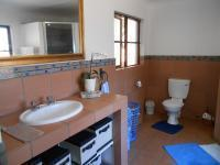 Main Bathroom - 10 square meters of property in Vorna Valley