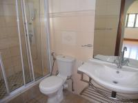 Main Bathroom - 5 square meters of property in Musgrave