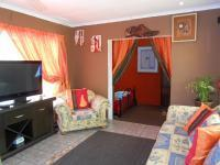 Lounges - 18 square meters of property in Brakpan