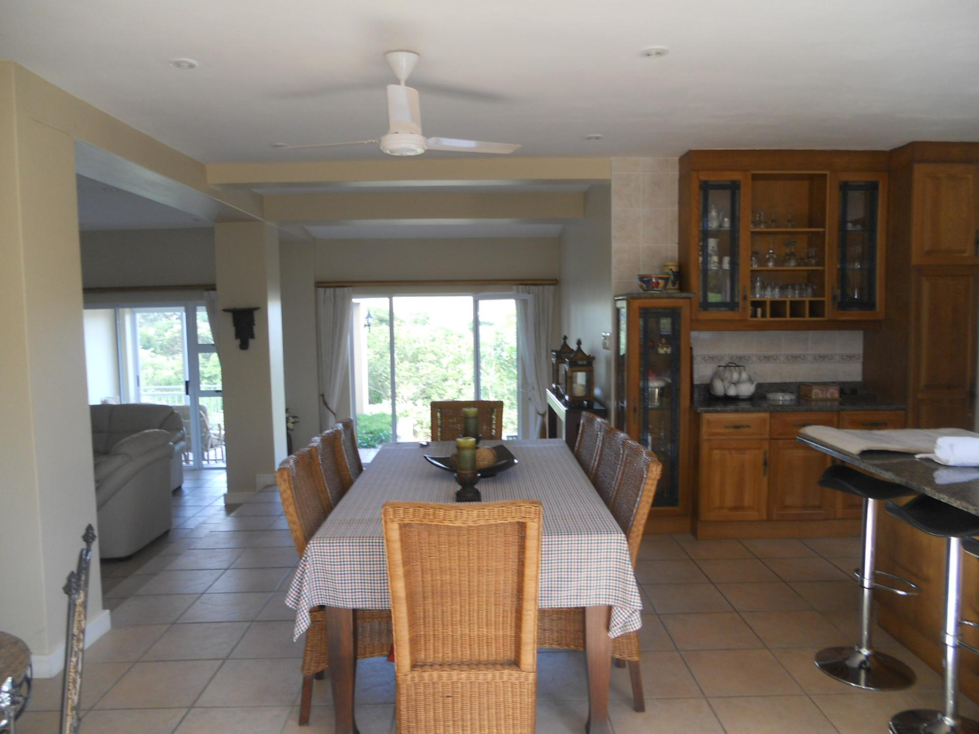 Dining Room - 17 square meters of property in Princes Grant Golf Club