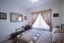Bed Room 1 - 13 square meters of property in Woodhill Golf Estate