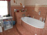 Main Bathroom - 13 square meters of property in Glen Donald A.H