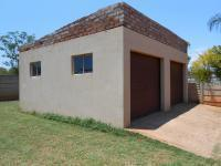 Spaces - 5 square meters of property in The Orchards