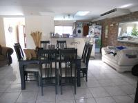 Dining Room - 29 square meters of property in Queensburgh