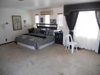 Main Bedroom - 38 square meters of property in Queensburgh