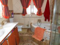 Main Bathroom - 7 square meters of property in Kameeldrift