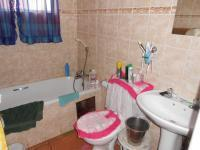 Main Bathroom - 6 square meters of property in Alberton