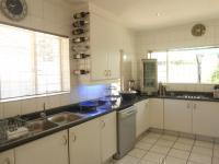 Kitchen - 17 square meters of property in The Hill