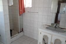 Bathroom 1 - 6 square meters of property in Bellville South