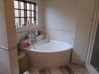 Main Bathroom - 17 square meters of property in Wapadrand