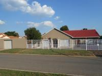 3 Bedroom 2 Bathroom in Marlands