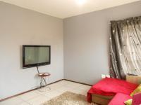 Lounges - 12 square meters of property in Roodepoort