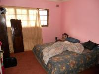 Bed Room 5+ - 28 square meters of property in Chatsworth - KZN