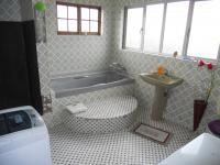 Bathroom 1 - 9 square meters of property in Chatsworth - KZN