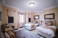 Bed Room 3 - 28 square meters of property in Boardwalk Manor Estate
