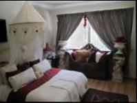 Bed Room 1 - 16 square meters of property in Waterkloof Heights