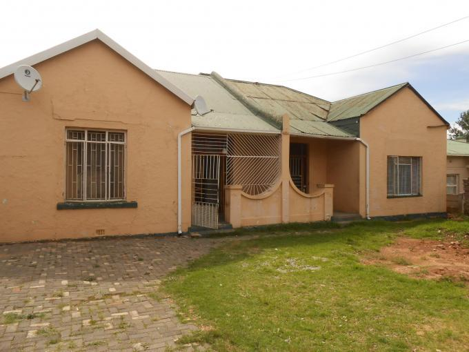 5 Bedroom House for Sale For Sale in Roodepoort West - Private Sale - MR121203
