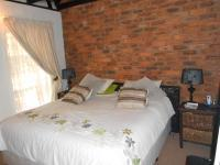 Main Bedroom - 14 square meters of property in Faerie Glen