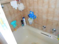 Main Bathroom - 2 square meters of property in Faerie Glen