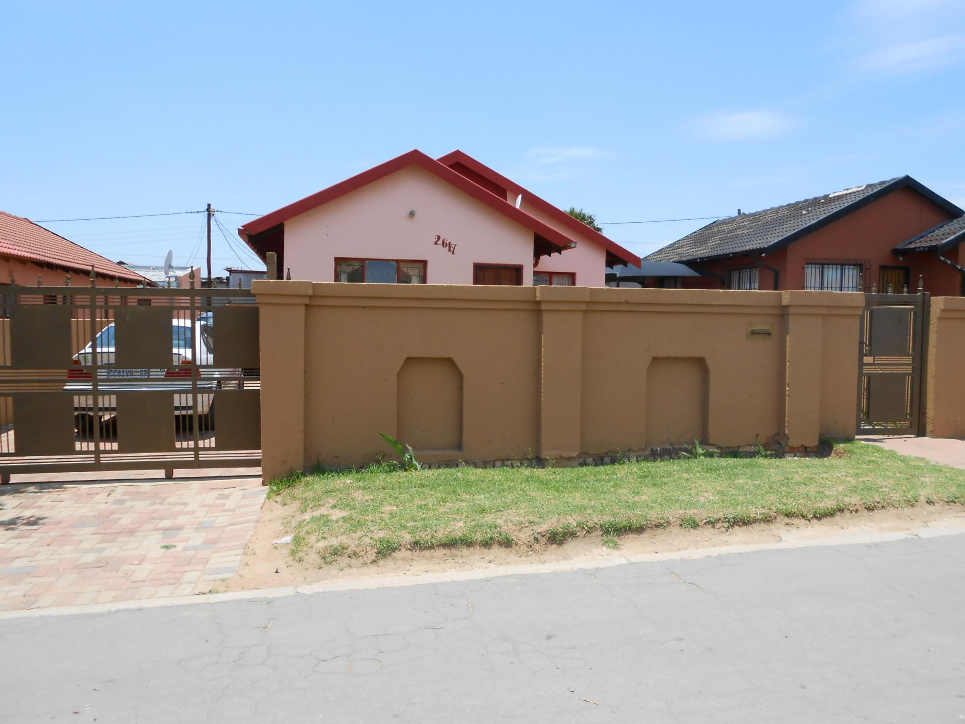 Front View of property in Ebony Park