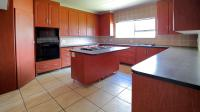 Kitchen - 19 square meters of property in Six Fountains Estate