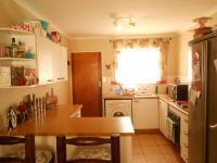 Kitchen - 8 square meters of property in Carenvale