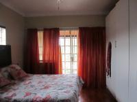 Main Bedroom - 19 square meters of property in Risiville