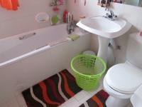 Main Bathroom - 4 square meters of property in Risiville