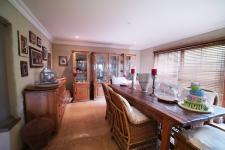 Dining Room - 29 square meters of property in Woodhill Golf Estate