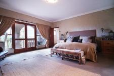 Main Bedroom - 44 square meters of property in Woodhill Golf Estate