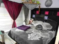 Bed Room 2 - 12 square meters of property in Three Rivers
