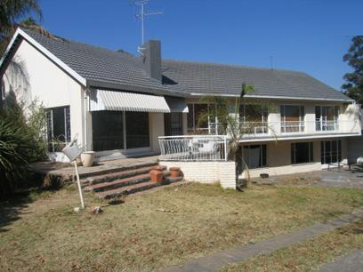 6 Bedroom House for Sale and to Rent For Sale in Waterkloof - Home Sell - MR12147